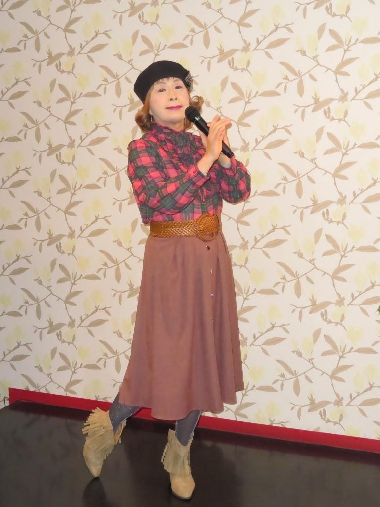 カメオピンクスカートベレー帽カラオケ(1)