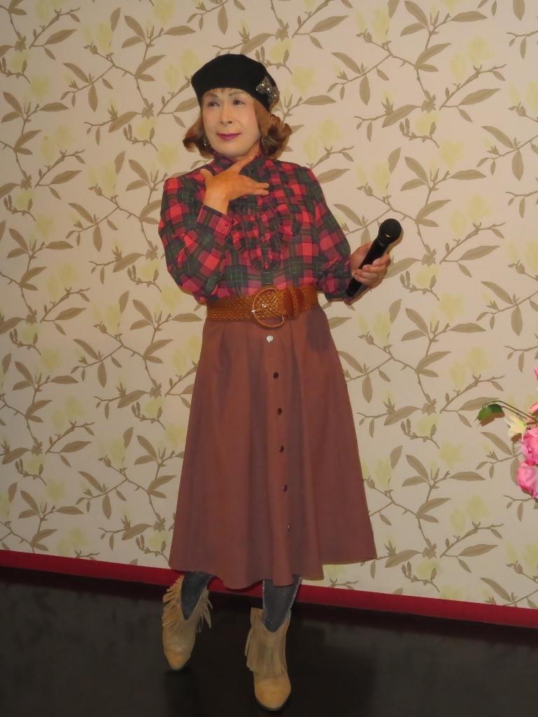 カメオピンクスカートベレー帽カラオケ(2)