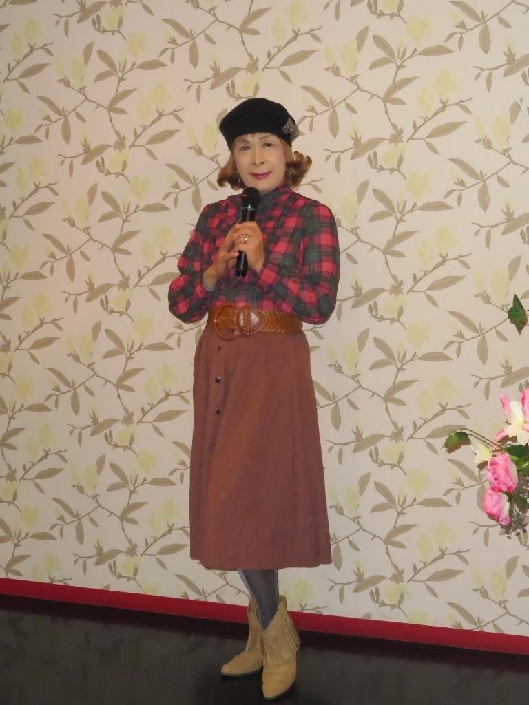 カメオピンクスカートベレー帽カラオケ(3)