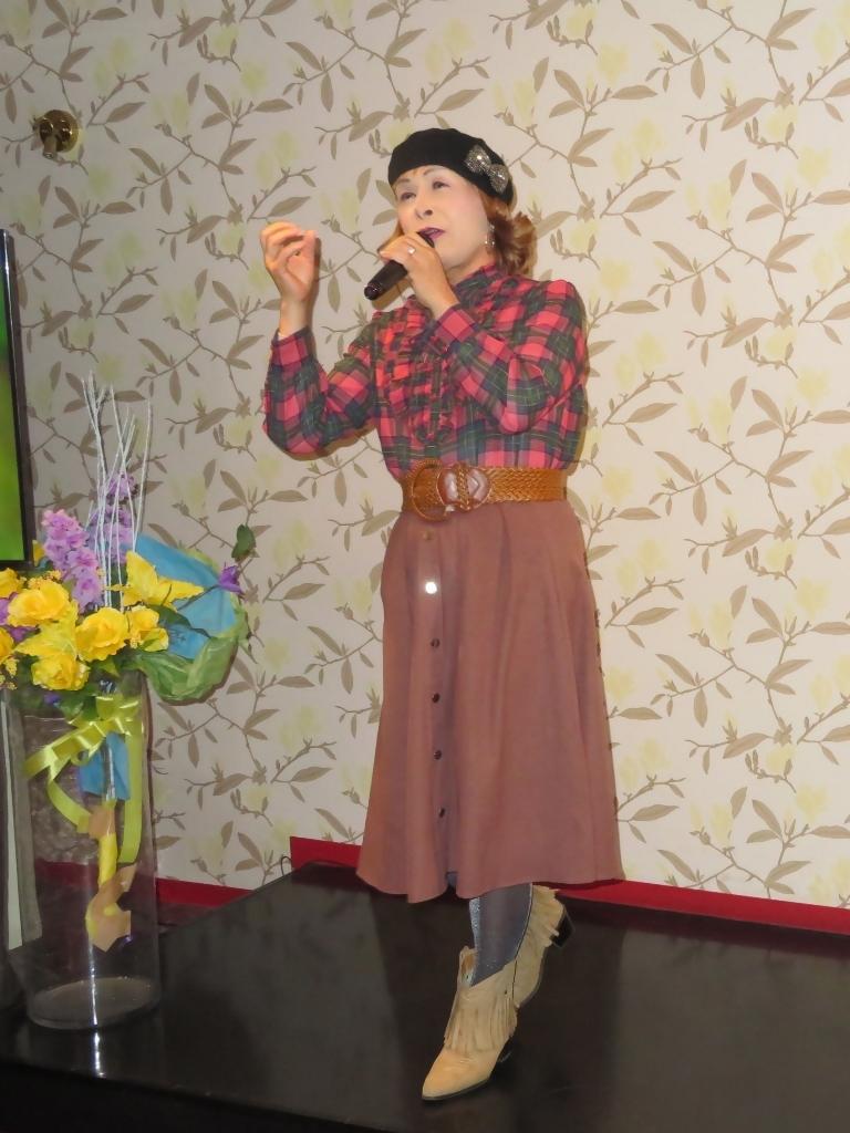 カメオピンクスカートベレー帽カラオケ(4)