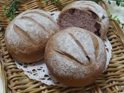 紫芋豆パン1
