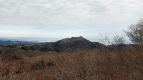 山頂からの神峰山