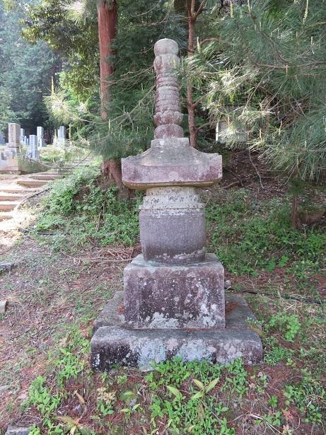 正法寺 石造宝塔