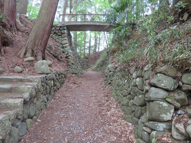 日野城の石垣