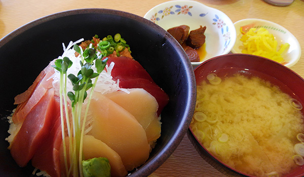 マグロ丼KIMG6422