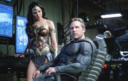 Justice-League-Ben-Affleck-Batman-Gal-Gadot-Wonder-Woman.jpg