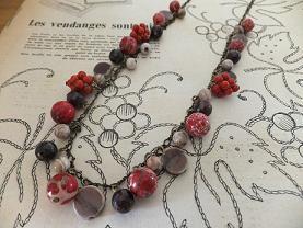 赤の実ネックレス