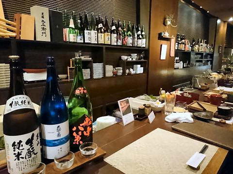 カウンターから見た厨房@そば居酒屋るちん