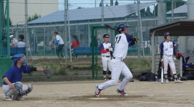 PA284608金た郎6回表2死二塁から5番が左越え二塁打を放ち、2対3と1点差にする