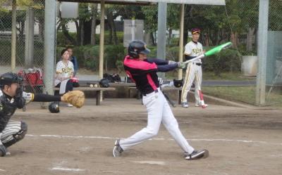 PB034728Le.visage5回表2死二、三塁から3番が左翼線打を放ち、貴重な2点を追加する