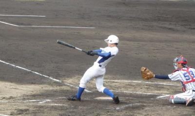 PB0949353回裏岐阜聖徳1死二塁から1番が左越えエンタイトル二塁打を放ち1点先制
