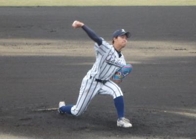 PB094904大阪体育先発坪内投手