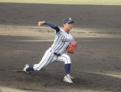 PB094946大阪体育大3回途中からリリーフ高原投手