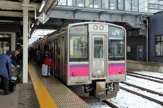 701系@弘前駅
