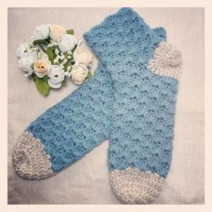 写真 シェル編み靴下 正方形