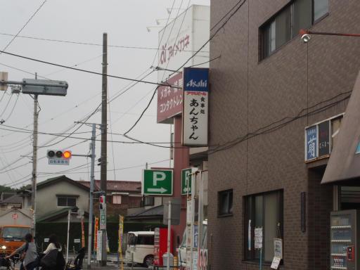 20170916・曇り空の青梅街道駅03
