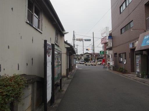 20170916・曇り空の青梅街道駅10