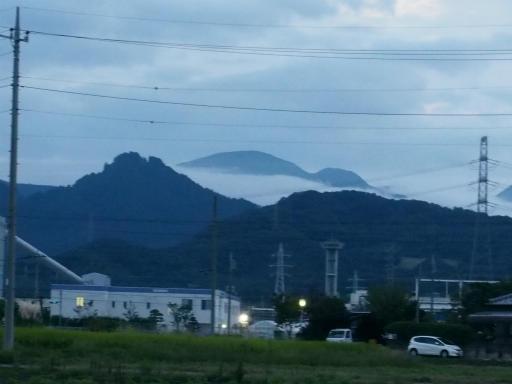20170923・藤岡6-17・御荷鉾山に雲海