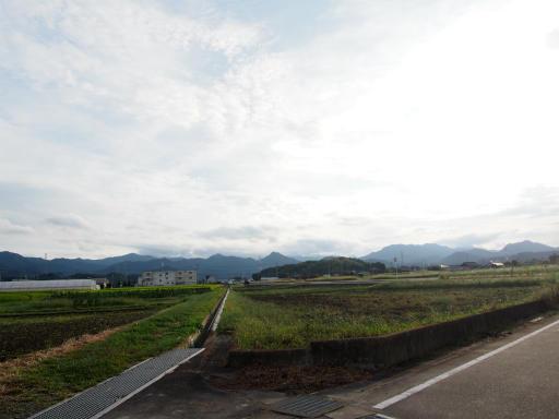 20170923・藤岡空09・日野方面の山々と空