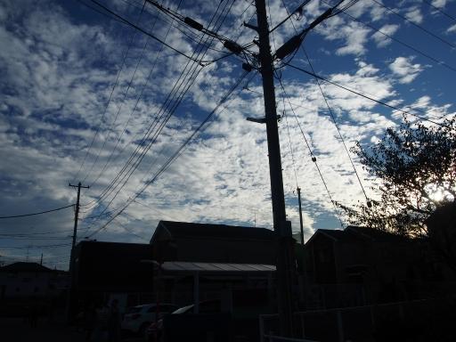 20171103・小手指散歩空24・家路につく頃は雲だらけ