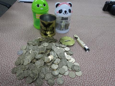 「10万円が貯まる缶カンを開けてみた!」⑤