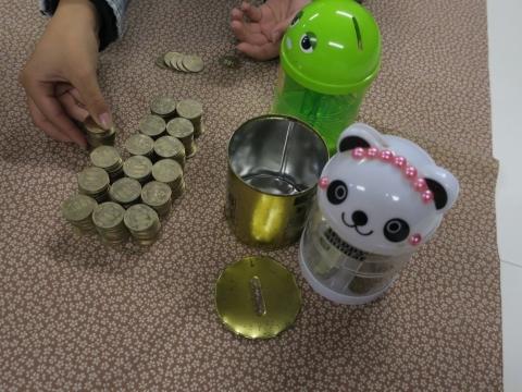 「10万円が貯まる缶カンを開けてみた!」⑨