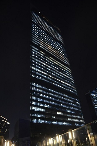 電通 夜景