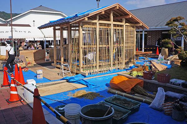 岡山県建設労働組合御津支部による、昔の技法を用いた家づくり