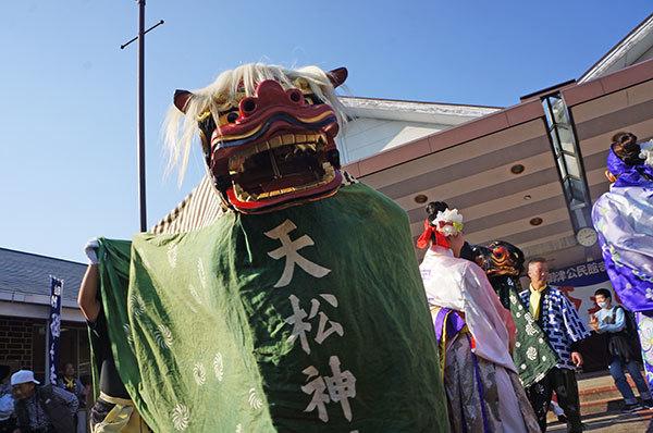 天松神社のお獅子のアップ