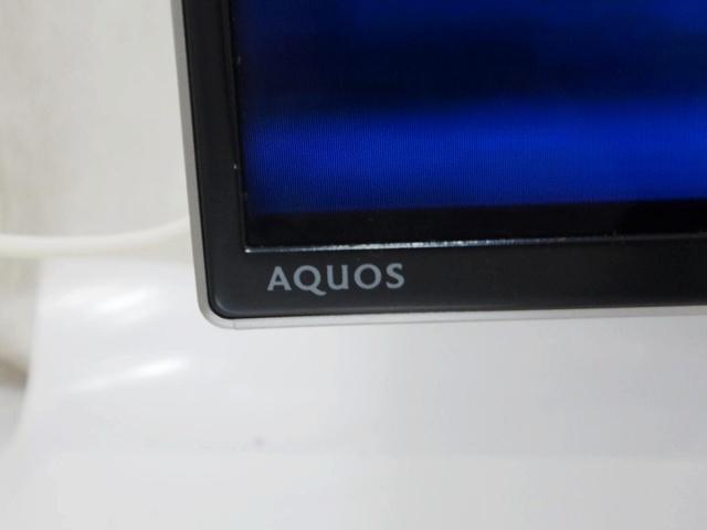AQUOS_US40_05.jpg