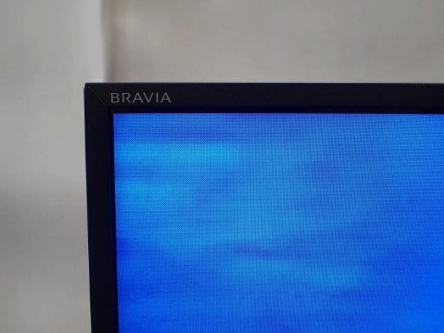 BRAVIA_X9000E_03.jpg