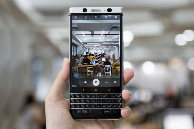 BlackBerry_KEYone_01.jpg