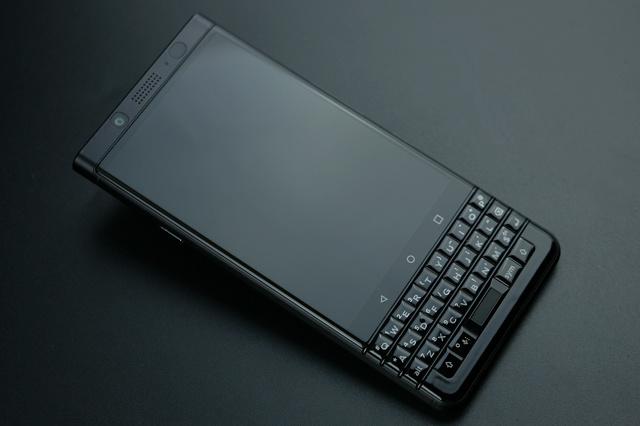 BlackBerry_KEYone_02.jpg