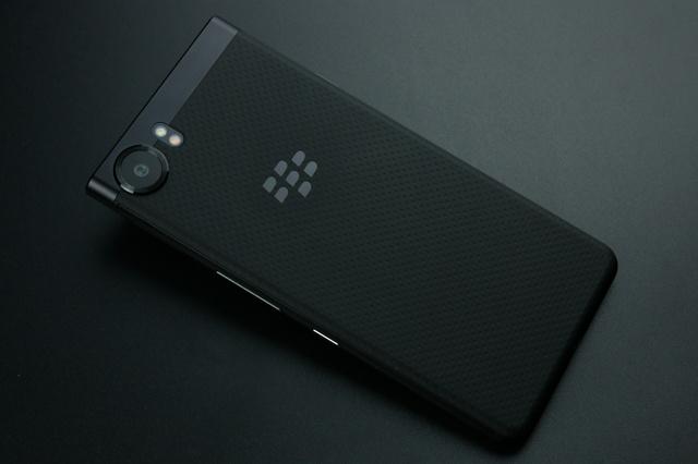 BlackBerry_KEYone_03.jpg