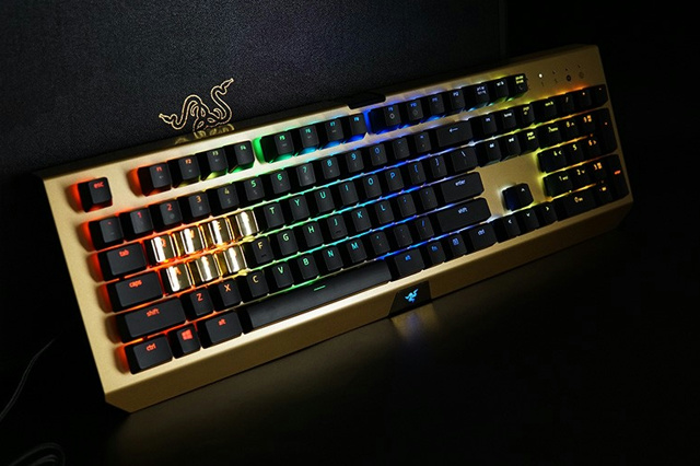 BlackWidow_X_Chroma_Gold_01.jpg