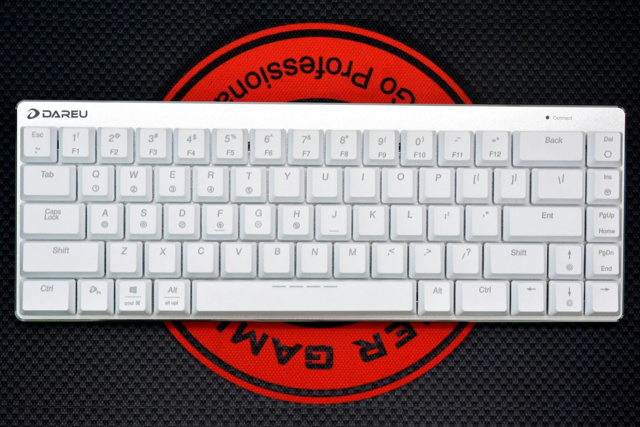 EK820-68Key_White_03.jpg