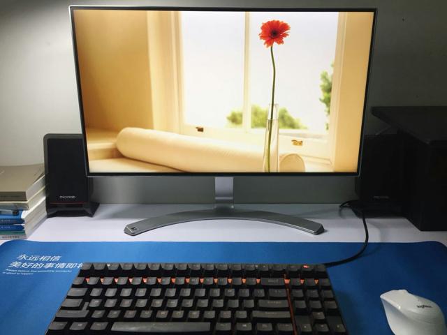 FullFrameless_Monitor_1705_01.jpg