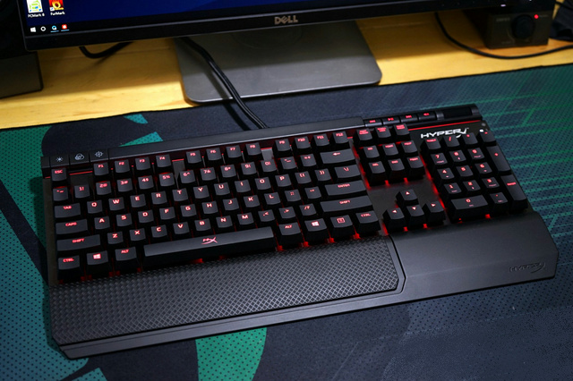 HyperX_Alloy_Elite_17.jpg