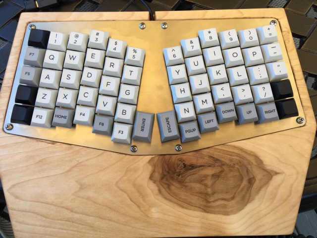 Mechanical_Keyboard102_06.jpg