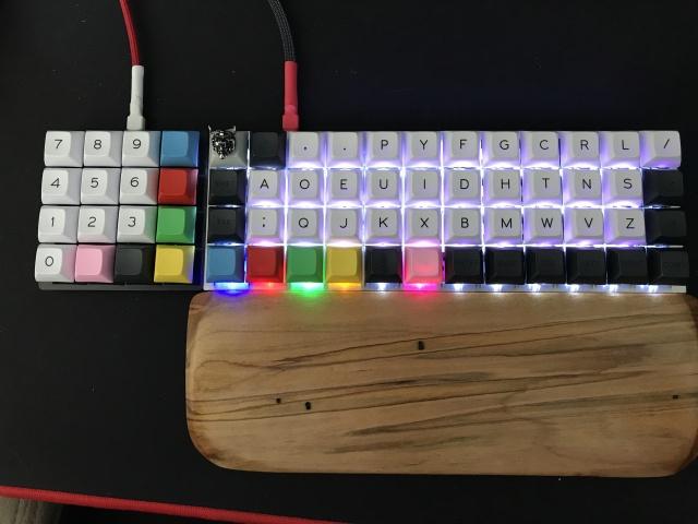 Mechanical_Keyboard105_80.jpg