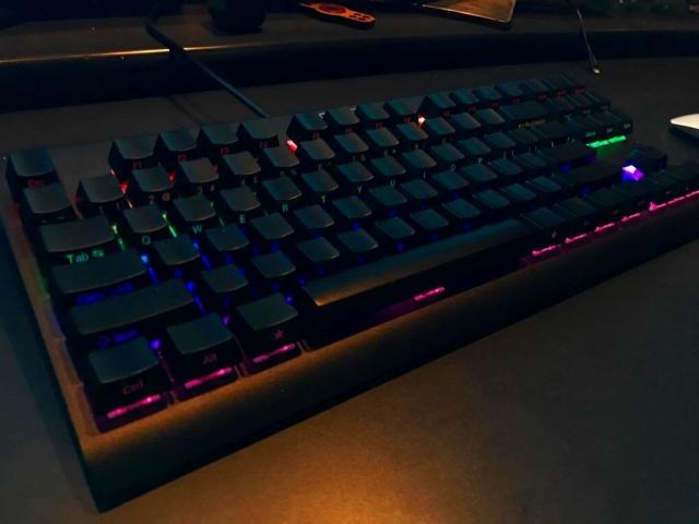 Mechanical_Keyboard96_50.jpg