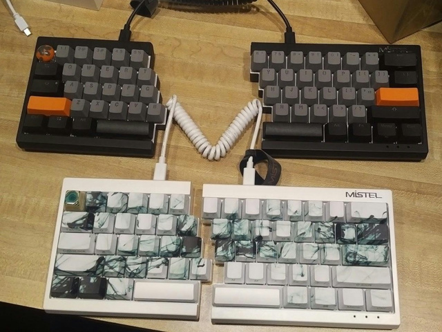 Mechanical_Keyboard98_99.jpg