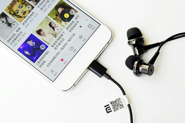 Mi_ANC_Type-C_in-Ear_Earphones_08.jpg