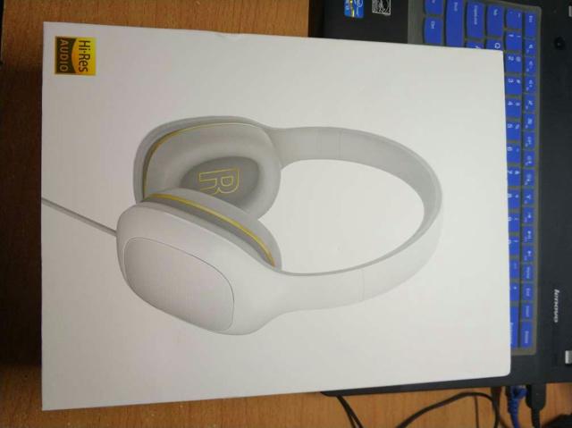 Mi_Headphones_Comfort_07.jpg
