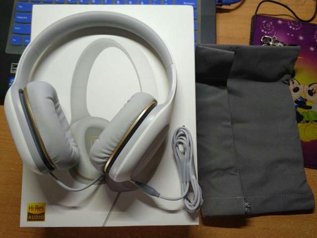 Mi_Headphones_Comfort_08.jpg