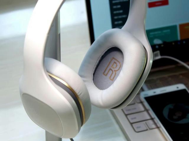 Mi_Headphones_Comfort_09.jpg