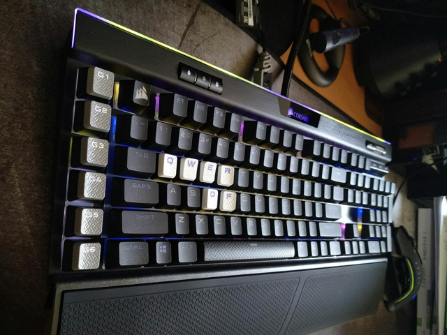 PBT_Double-shot_Keycaps_05.jpg