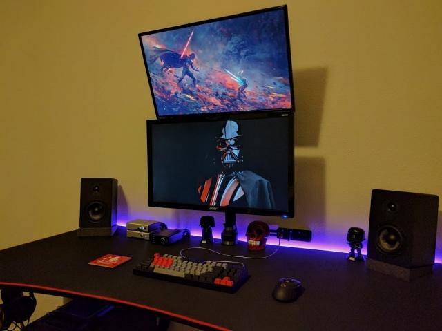PC_Desk_MultiDisplay100_06.jpg