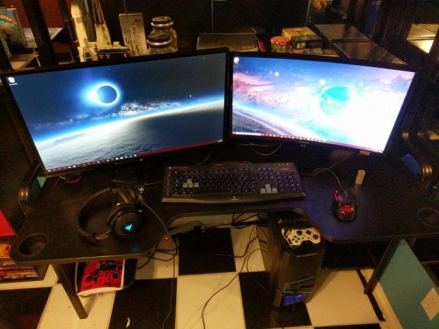 PC_Desk_MultiDisplay100_20.jpg