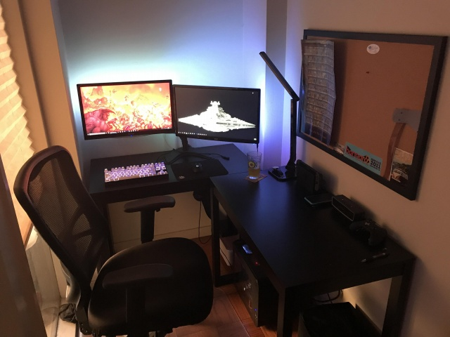 PC_Desk_MultiDisplay100_23.jpg